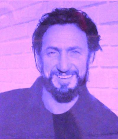 sean penn milk kiss. Sean Penn as Harvey Milk
