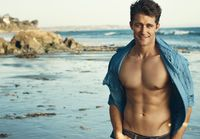 Matthew_Morrison_unbuttoned_shirt_HArticle