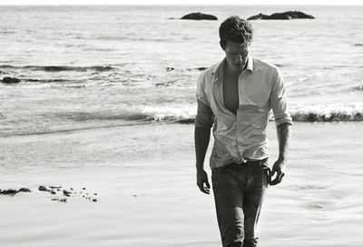 Matthew_Morrison_walking_on_beach_bw_HEmbed