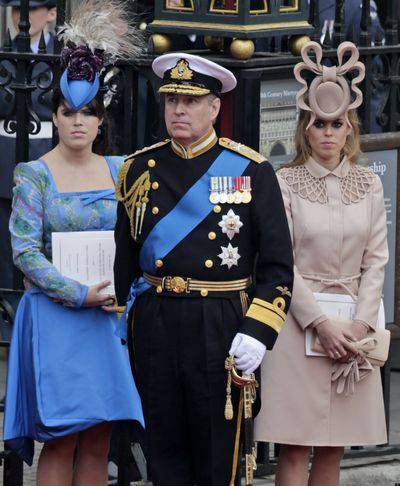 PRINCESS-BEATRICE-HAT