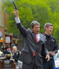 Rick-Perry-with-gun