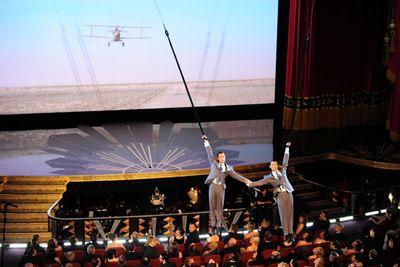 Cirque-du-soleil-2012-oscars-1