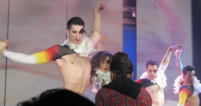 Broadway bares ugly duckling IMG_0615