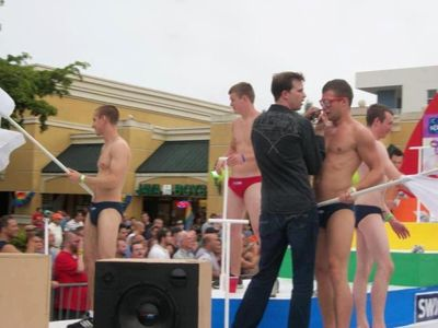 Fort Lauderdale gay coke bump