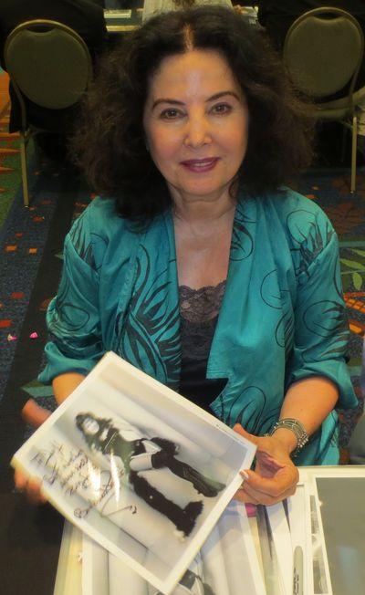 Barbara Parkins autograph