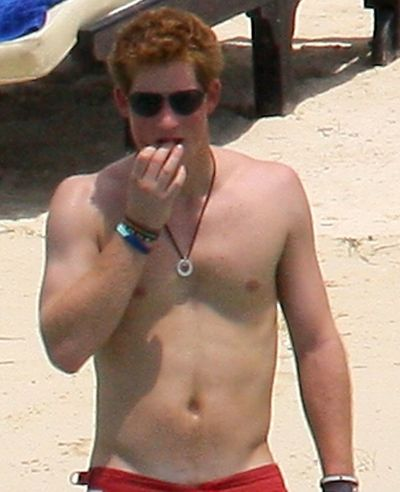 Prince-Harry-shirtless-swimsuit