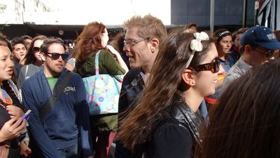 Rent Anthony Rapp with fans